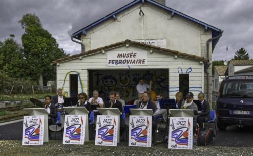 OHVS jazz orchestra à Mornac sur Seudre pour le train des mouettes